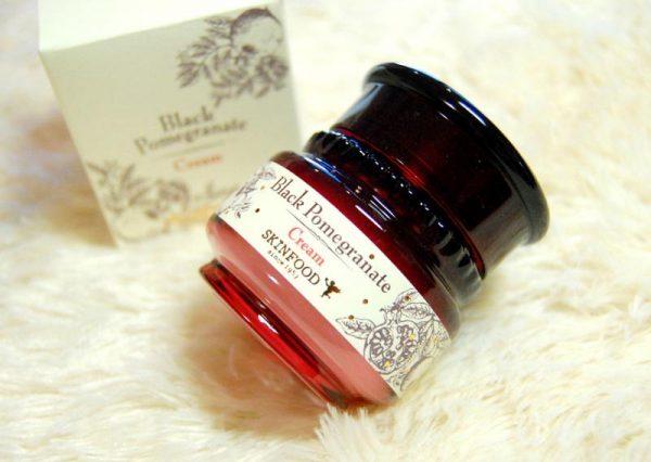 Bộ dưỡng da lựu đen Black Pomegranate 1