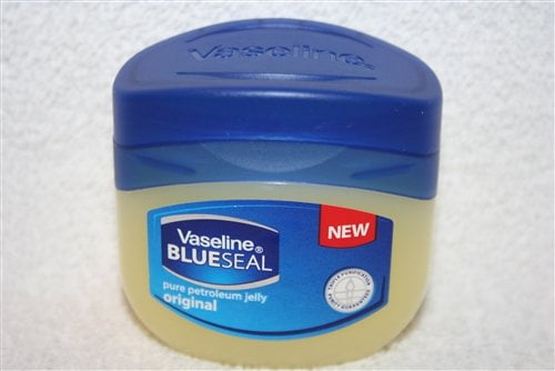 vaseline blue seal pure petroleum jelly1