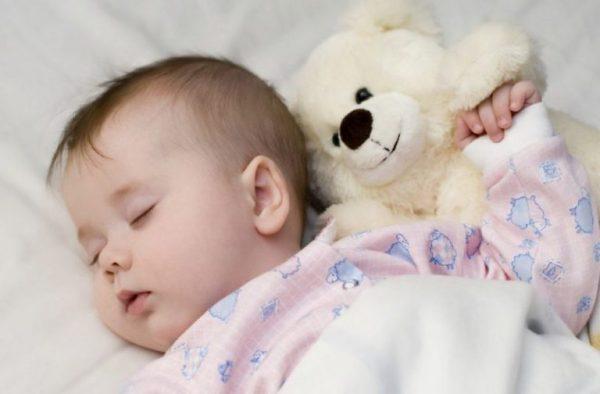 Trẻ bị thiếu Vitamin D thường bị ra mồ hôi trộm | Trẻ bị thiếu Vitamin D thường bị ra mồ hôi trộm