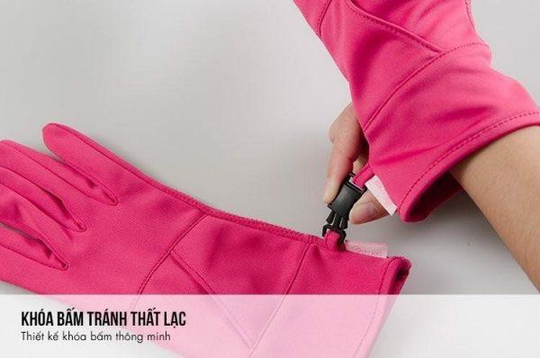 Găng tay KC51119 có thiết kế khóa bấm tránh thất lạc độc đáo.