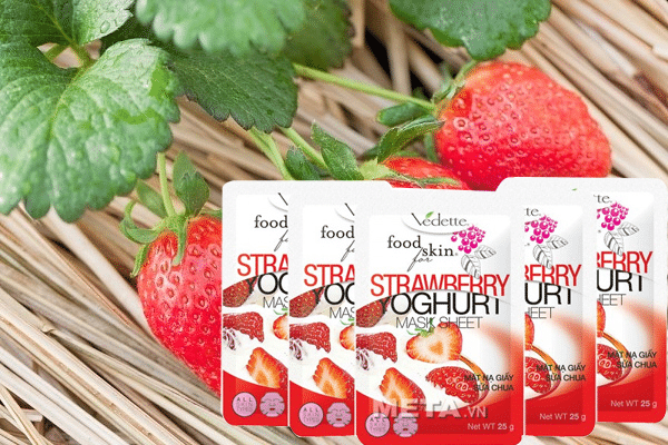 Vedette Food for Skin Strawberry Yoghurt Mask Sheet co nhieu tinh chat giup da them cang bong tu nhien
